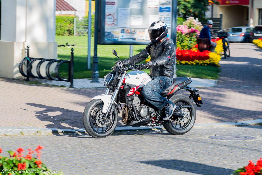 benelli 302 s włoski naked motocykl motor-land