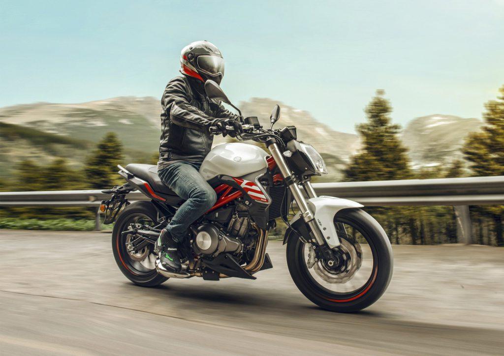 benelli 302s motocykl