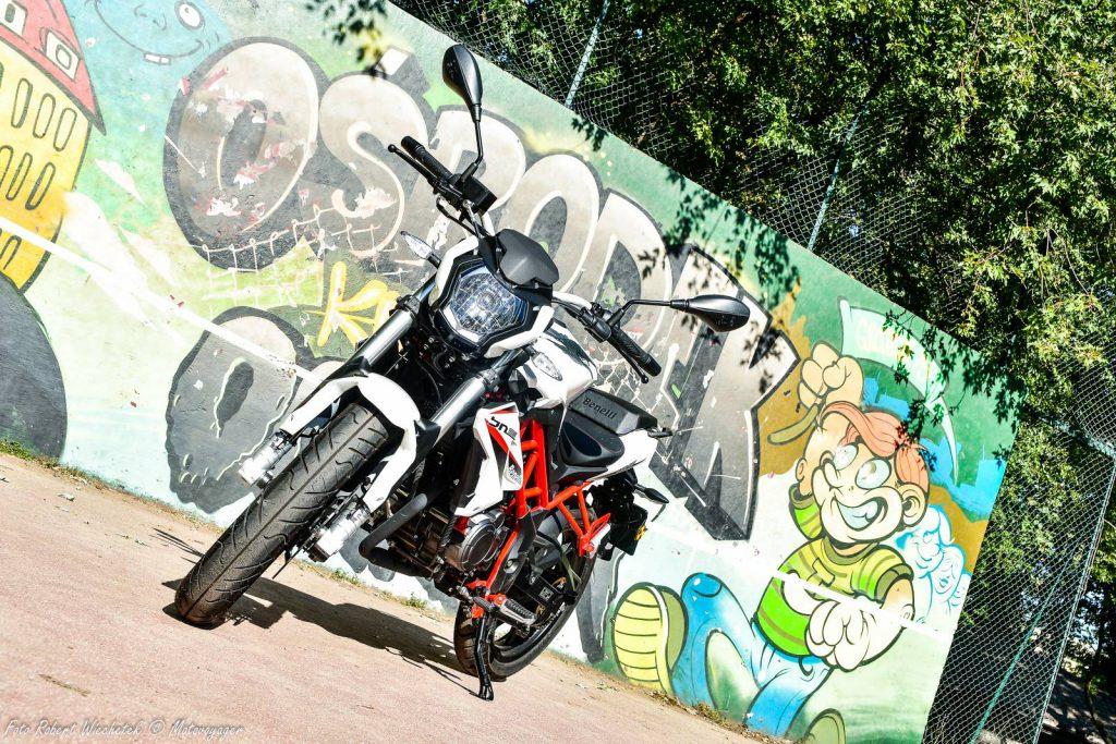 benelli bn 125 motocykl naked na kategorie B motor-land