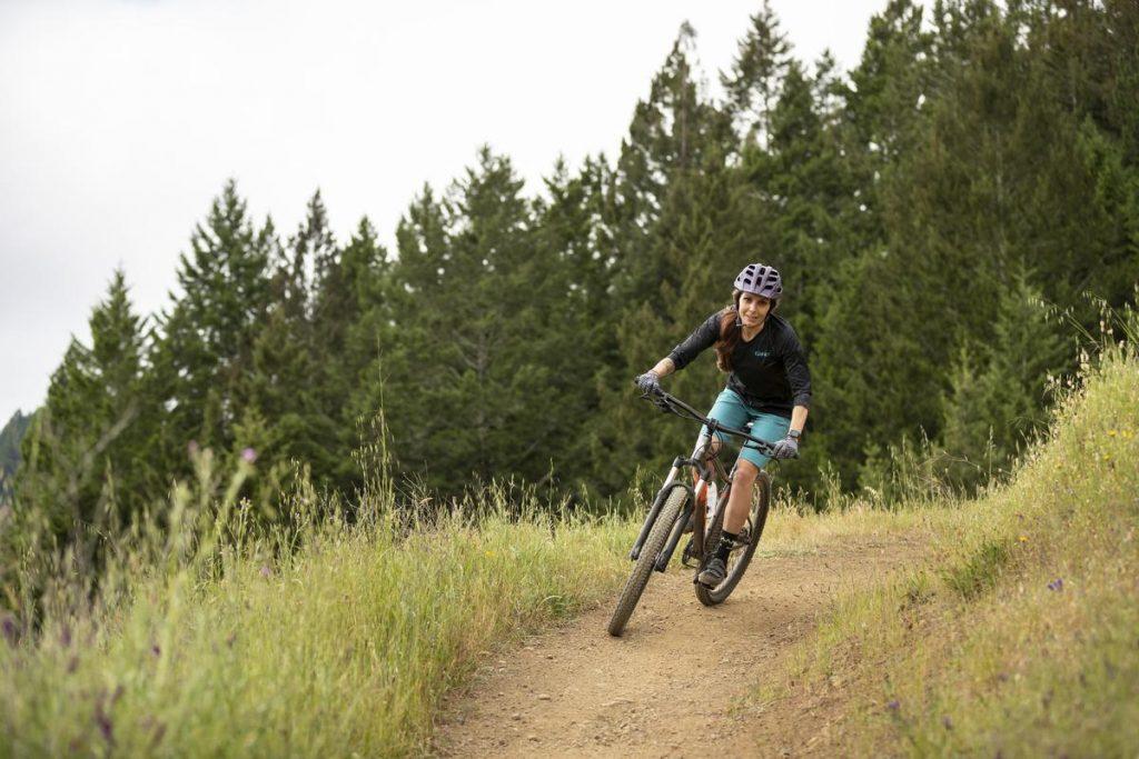Podstawowe rowery trailowe – progresywna geometria na rozpoznanie apetytu 25