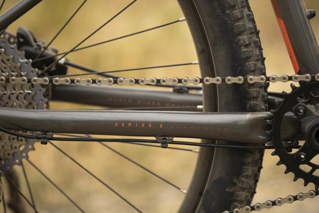 Podstawowe rowery trailowe – progresywna geometria na rozpoznanie apetytu 19