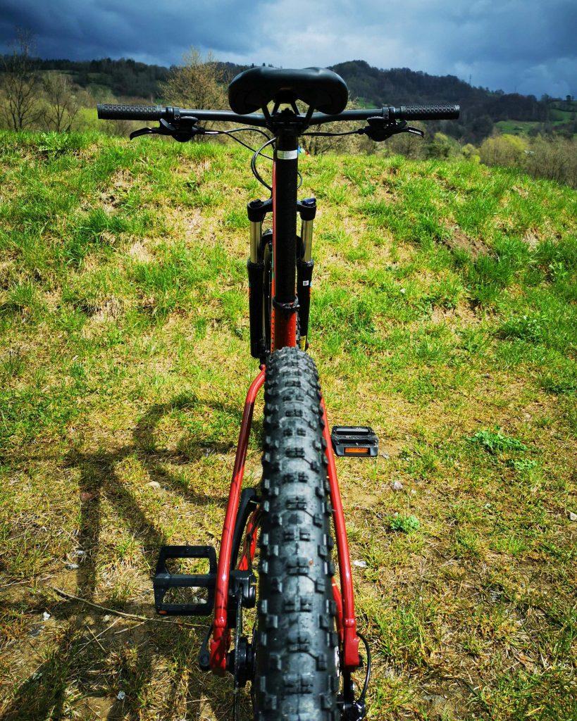 Podstawowe rowery trailowe – progresywna geometria na rozpoznanie apetytu 10