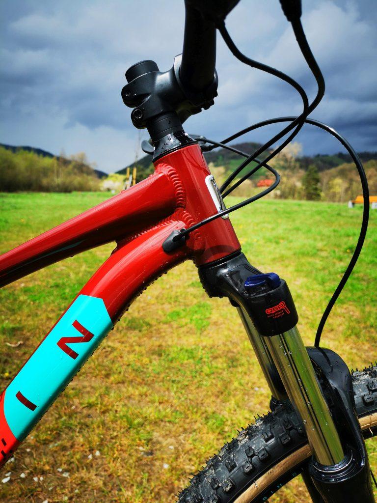 Podstawowe rowery trailowe – progresywna geometria na rozpoznanie apetytu 5