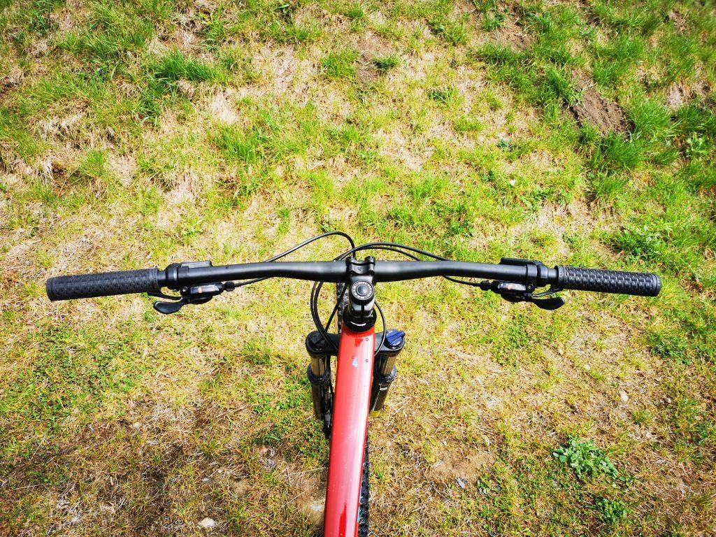 Podstawowe rowery trailowe – progresywna geometria na rozpoznanie apetytu 8