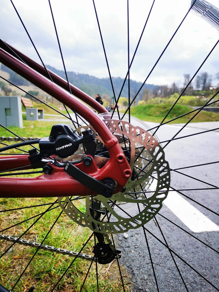 Podstawowe rowery trailowe – progresywna geometria na rozpoznanie apetytu 17